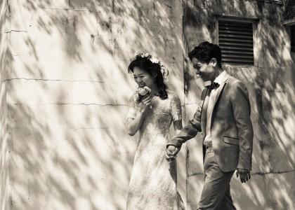 Han Byeol & Kyung Tae in street